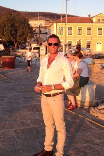 Matteo da Milano Sono di nazionalità Italiana , amo la pulizia ed educazione